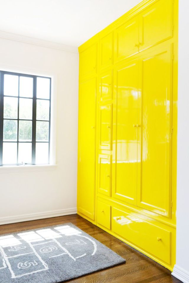 yellow lacquer